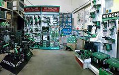 """Il nostro rivenditore C.A.M. di Forlì (FC) condivide con noi le foto della sua esposizione e commenta così la sua esperienza con i nostri prodotti:   """"Siamo rivenditori Hitachi da oltre 25 anni, a testimonianza dell`ottimo rapporto qualità prezzo che contraddistingue gli utensili Hitachi."""""""