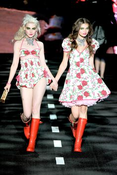 Betsey Johnson Spring 2011 Ready-to-Wear Collection Slideshow on Style.com