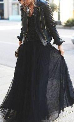 Макси юбка и кожаная куртка - смотрится замечательно!