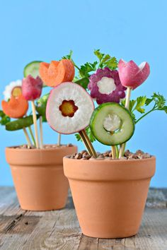 Skip  buying roses and give these veggie bouquets to your sweetie! Thanks Cara for this awesome idea! #forksandbeans