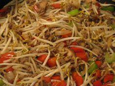 Asian Noodle Recipes, Veggie Recipes, Asian Recipes, Beef Recipes, Cooking Recipes, Healthy Recipes, Ethnic Recipes, Healthy Kids, Beef Chop Suey