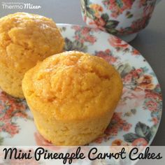 The other day we decided to make some muffins and thought we would play around with flavours a little. These little Pineapple Carrot muffins are quite Chocolate Zucchini Muffins, Coconut Muffins, Carrot Muffins, Mini Muffins, Carrot Cakes, Apple Crumble Muffins, Pineapple Muffins, Thermomix Desserts, Thermomix Cupcakes
