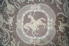 """Luisa Geremei Pettinelli. Merletto di Orvieto.  Pannello decorativo """"Fantasia classica con cavaliere"""" 1970"""