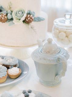 Vintage Wedding Blue Ana Rosa 24 Ideas For 2019 Christmas Tea, Christmas Colors, White Christmas, Nantucket Wedding, Winter Wonderland Party, Rose Cottage, Cottage Chic, Wedding Desserts, Cake Wedding