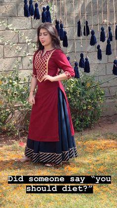 Pakistani Dress Design, Pakistani Dresses, Indian Dresses, Indian Outfits, Designer Party Wear Dresses, Kurti Designs Party Wear, Kurta Designs, Bandhani Dress, Lehnga Dress