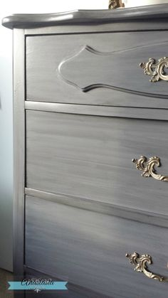 43 Ideas Painting Bedroom Furniture Silver Annie Sloan For 2019 - Modern Furniture: Affordable, Unique, Edgy Distressed Bedroom Furniture, Black Painted Furniture, Bedroom Furniture Makeover, Bedroom Furniture Design, Refurbished Furniture, Furniture Decor, Kitchen Furniture, Painting Furniture, Furniture Stores