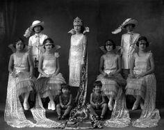 Beatriz Luthas de Limchin, Panama's First Carnival Queen of the Chinese-Panamian District,1925 - Carlos Endara, Courtesy: Colección Casa Museo Endara