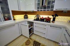 Bu Mutfak Tarzınızı Yansıtan Çizgilerde @kadinedio #kadın #mutfak #dolap #beyaz #ahşap #lake
