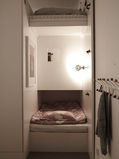 Creative bunk bed layout