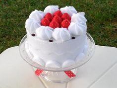 He encontrado este interesante anuncio de Etsy en https://www.etsy.com/mx/listing/214831698/felt-food-felt-cake-whipped-cream