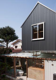 tato architects merge house in ishikiri into its historic setting