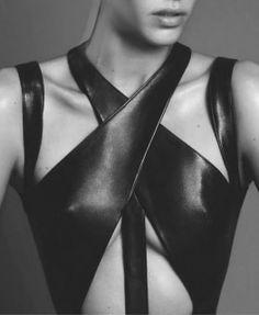 Alana Bunte by Paola Kudacki for Numero October – Leather Style Dark Fashion, Leather Fashion, London Fashion, Fashion Fashion, Fashion Tips, Estilo Street, Mode Steampunk, Mode Costume, Fashion Details