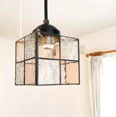 ステンドグラス*+ペンタンド照明+**吊り下げランプ*シャンパンピンクcolor | ハンドメイドマーケット minne