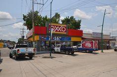 Delincuentes Armados Asaltan Violentamente Tienda OXXO al Sur Poniente noticiasdechiapas.com.mx/nota.php?id=84950
