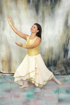 Modelo de Roupas de Dança - MOVER (●• o Blog da Dança Evangélica •●)