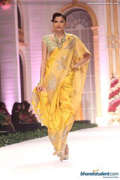 Pallavi Jaikishan at Aamby Valley City India Bridal Fashion Week 2013 Pakistan Fashion, India Fashion, Asian Fashion, Lakme Fashion Week, Bridal Fashion Week, Indian Attire, Indian Wear, Indian Dresses, Indian Outfits