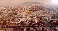 Panorámica del Hospital Universitario, a la derecha se puede ver la Facultad de medicina, a la izquierda la Av. Gonzalitos, al fondo el cerro del Topo Chico