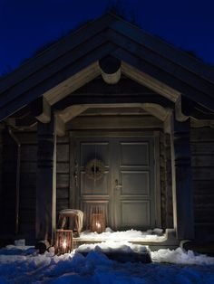 Adorable Rustic attic door,Attic conversion cabin and Attic playroom home theaters. Attic Renovation, Attic Remodel, Cabin Fever, Cabana, Ideas De Cabina, Attic Doors, Attic Window, Bohinj, Architecture Design