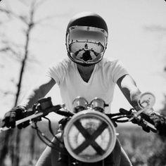 Lifestyle #theblackears #menstyle #yamaha #ridedapper #dgrprague #jointhegentry #helmet #gq #instyle #gentlemansride #dapper #helmet #shovelhead #caferacer #bobber #tracker #scrambler #classicmotorcycle #modernclassic #bmw #pocketsquare #menstyle...