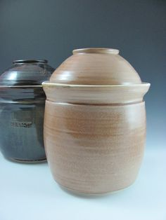 Handmade Ceramic Anaerobic Fermenting Crock by ShadyGrovePottery, click now for info. Fermentation Crock, Bokashi, Porcelain Clay, Fermented Foods, Ceramic Pottery, Real Food Recipes, Handmade Ceramic, Ceramics, Canning