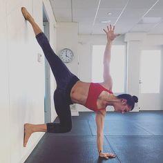 wall warrior II | yoga