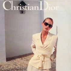 """""""woman's perfume tells more about her than her handwriting""""- Christian Dior 1990s Fashion Trends, 2000s Fashion, Fashion Brands, High Fashion, Fashion Tips, Fashion Websites, Cheap Fashion, Affordable Fashion, Foto Real"""