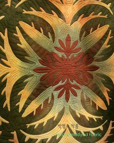 머스트의하와이안퀼트클럽 #하와이안퀼트 #hawaiianquilt #handdyedfabric #handdyed #orderproducion #applique #aloha #hawaii #quilting #ハワイアンキルト #キルティング #アップリケ #手染め #design #megmaeda