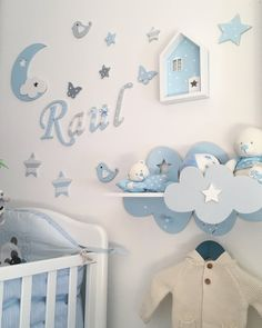 Baby Bedroom Montessori Wall Art Ideas For 2019 Baby Bedroom, Baby Boy Rooms, Baby Room Decor, Nursery Room, Kids Bedroom, Personalised Wooden Toy Box, Baby Boy Themes, Baby Room Design, Idee Diy