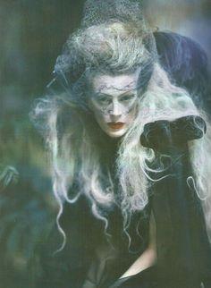 Miss Havisham-esque?