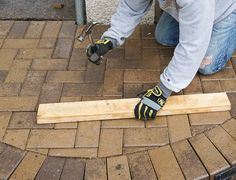 DIY How To Lay a Level Brick Paver Patio. Laying a brick paver patio in your backyard is a low maintenance and beautiful way to create an al fresco. Outdoor Patio Pavers, Brick Paver Patio, Diy Patio, Backyard Patio, Backyard Landscaping, Patio Ideas, Outdoor Ideas, Backyard Ideas, Garden Ideas