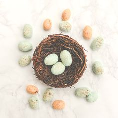 Make classic buttermint (cream cheese mint) candies special for easter by easily making them look like speckled Easter eggs. Easter Candy, Easter Eggs, Easter Food, Cream Cheese Mints, Recycled Crafts Kids, Edible Crafts, Different Holidays, Easter Printables, Family Crafts