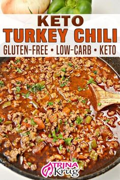 This one-pot Keto turkey chili is a delicious, hearty meal that's bursting with flavor and so easy to throw together! It's perfect for game day or to warm you up on a chilly winter evening. I am not exaggerating when I say this chili is bursting with flavor. The onion, bell pepper, green chilis, and garlic all meld together so beautifully while the chili powder, cumin, and oregano take it to the next level! | Trina Krug @trinakrug #ketochili #healthturkeychili #glutenfreechili #trina