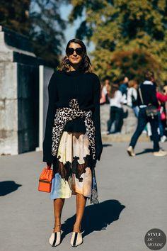 Ramya Giangola Street Style Street Fashion Streetsnaps Streetlook Street Chic Streetstyle Fashion Outfit Street looks Trends Street snaps Style Street Style Trends, Spring Street Style, Street Chic, Street Styles, Fashion Week Paris, Street Fashion, London Fashion, Look Casual, Casual Chic