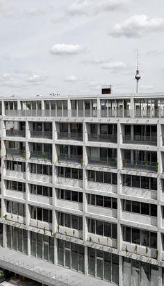 Aufbau Haus 84 | Barkow Leibinger; Photo: Stefan Müller | Archinect