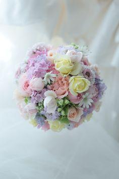 ラウンドブーケ 光彩 キャメロットヒルズ様へ : 一会 ウエディングの花