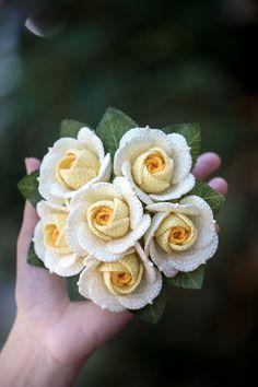 Crochet Bouquet, Crochet Flowers, Crochet Lace, Potted Flowers, Flower Pots, Crochet Flower Tutorial, Baby Girl Crochet, Indian Jewelry, Crochet Patterns