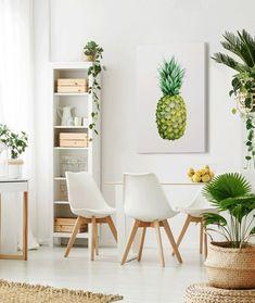 5 Ideas para Decorar las Paredes Vacías de una Cocina Eames, Dining Chairs, Furniture, Yellow, Decoration, Home Decor, Ideas, House Decorations, Pineapple Painting