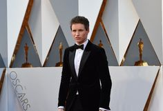 Pin for Later: Eddie Redmayne Brings His Smouldering Good Looks to the Oscars