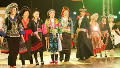 Mong costumes
