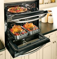 Single-double wall oven provides double-oven versatility, yet requires only the space of a single wall oven. Kitchen Stove, Kitchen Redo, New Kitchen, Kitchen Appliances, Kitchen Ideas, Vintage Appliances, Cooking Appliances, Small Appliances, Beautiful Kitchens