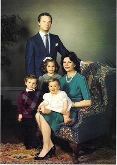 happyswedes:  Swedish Royal Family, circa 1982-83-King Carl Gustaf, Prince Carl Philip, Crown Princess Victoria, and Queen Silvia holding Princess Madeleine