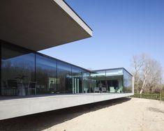 Image 9 of 15 from gallery of Villa KDP / Govaert & Vanhoutte Architects. Photograph by Tim Van De Velde