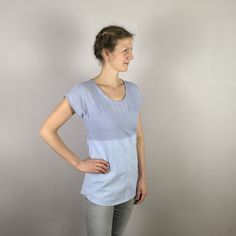 Ich war einmal zwei Herrenhemden. Upcyclingprodukt. Bal. Weiß. Gestreift. Maritim. Upcycling Fashion, Upcycle, Shirts, Mens Tops, Fashion Design, Fashion Styles, Upcycling, Repurpose, Dress Shirts