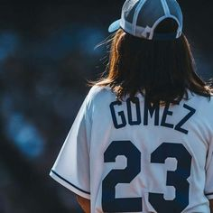 Selena no Big Slick Celebrity Softball Game em Kansas City! Selena Gomez Cute, Selena Gomez Fotos, Selena Gomez Outfits, Selena Gomez Pictures, Taylor Swift, Selena Gomez Wallpaper, Look At Her Now, Barney & Friends, Alex Russo