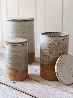 ceramic cafe Set of 3 handcrafted ceramic canisters. Fired with speckled glaze. Ceramic Tableware, Ceramic Pottery, Ceramic Art, Ceramic Canister Set, Diy Tableware, Ceramic Decor, Kitchenware, Earthenware, Stoneware