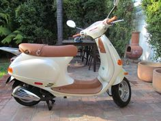 2004 Vespa Et4 150cc  i want one. so cute