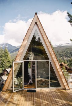 Scott & Scott Architects design an outdoorsy Vancouver family's dream cabin Tiny House Movement // Tiny Living // Tiny House on Wheels // Cabin in the Woods // A frame cabin // Tiny Home // Architecture // Home Decor Future House, Bungalow, Alpine Modern, Triangle House, A Frame House, Cabin Design, Wood House Design, Cabins In The Woods, Architect Design