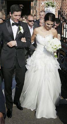 Robert-Lewandowski-Wedding+(27).jpg 390×720 Pixel