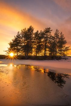 Sunset by Ole Henrik Skjelstad (Norway)