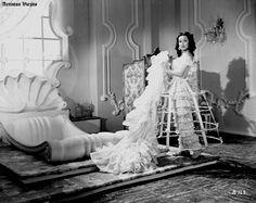 Dolores del Rio ,,,,,,, 7 Silence Is Golden, Formal Dresses, Films, Fashion, Dolores Del Rio, Fotografia, Souvenirs, Historia, Dresses For Formal